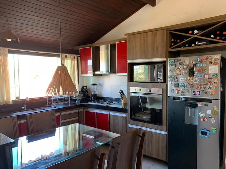 Casa completa na Praia dos Anjos