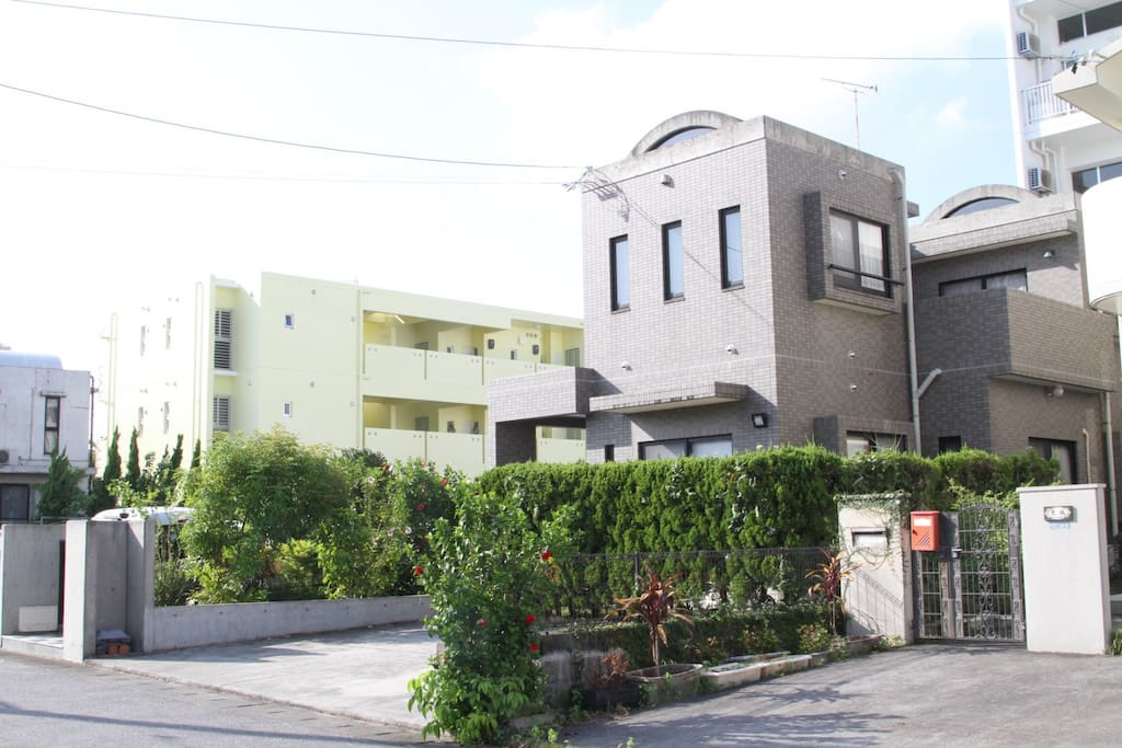 Okinawa great stay in a house max12ppl j05 houses for for Minimalist house okinawa japan