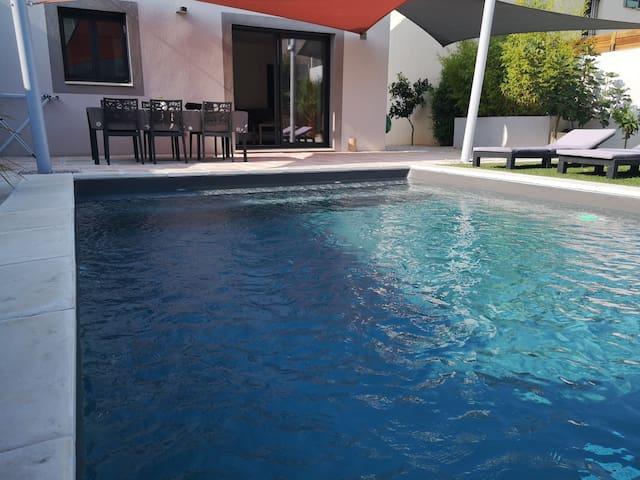 Maison neuve avec piscine proche des plages