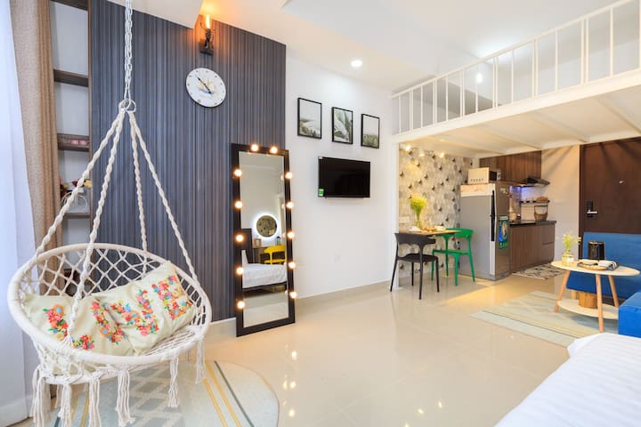 Sweet & Chill Studio 5' to Tan Son Nhat Airport