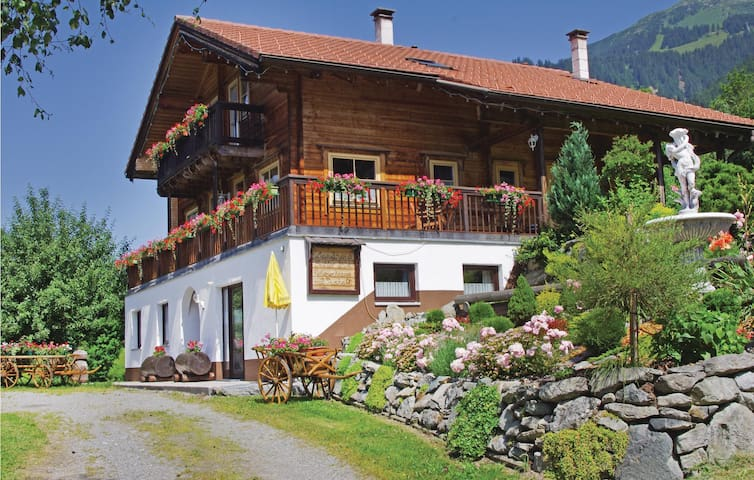 Holiday apartment with 1 bedroom on 32 m² in St. Gallenkirch