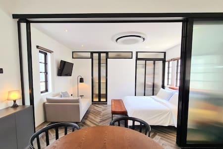 H - Luxe Modern Spacious 1 Bedroom Suite