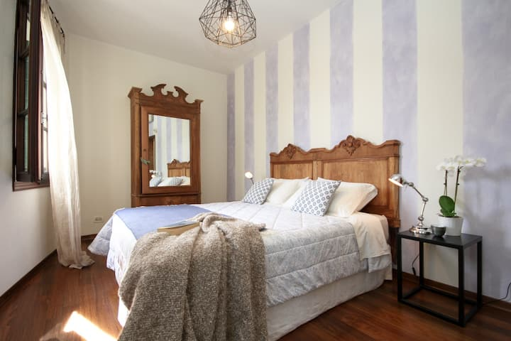 Double room with private kitchen and bathroom