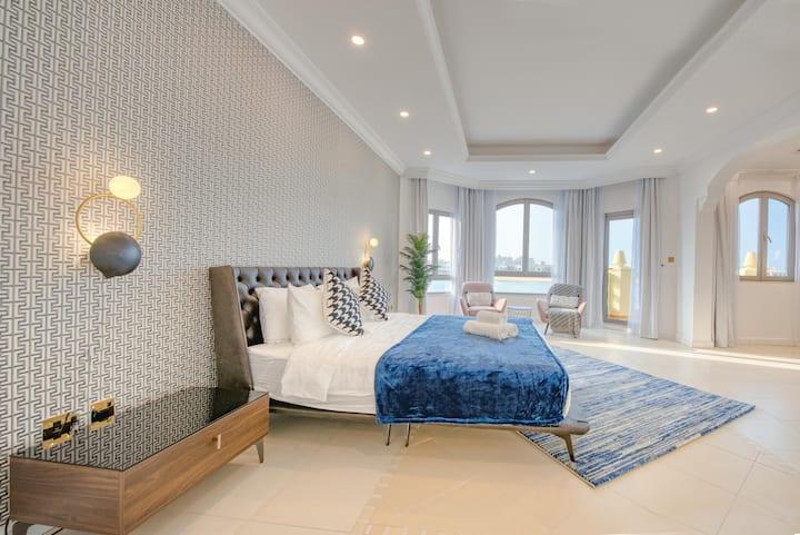 Stella Stays | Fabulous 4 BDR Palm Villa | Beach | Private Pool