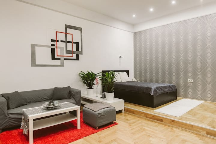 Basilica Apartment - quiet island w dream location - Budapest