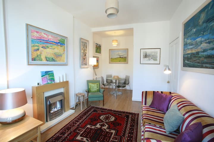 Fresh and Stylish One Bed Flat in Haymarket