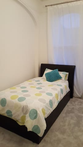 Lovely room close to all amenities in Folkestone - Folkestone - Huoneisto