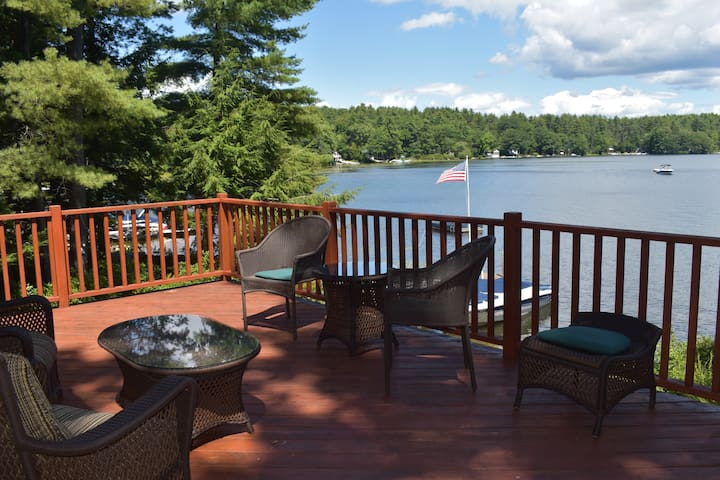 Lake Front 4 Bed Private Family Retreat on Winni!