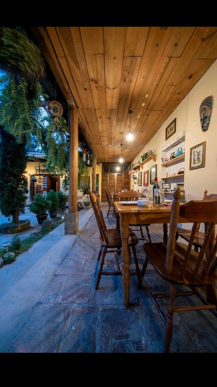 El Marquesote. Hostal & café