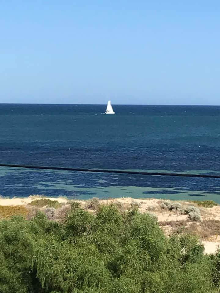 Falcon Avalon Bay Beachfront Retreat