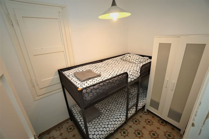 Room for 2 persons bunk bed in shared apartment