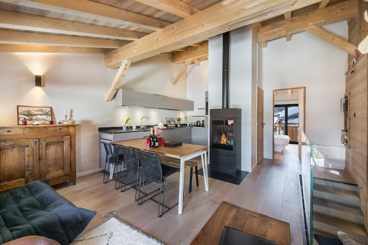Patine: Semi-detached chalet fully revamp and ideally situated in Le Praz