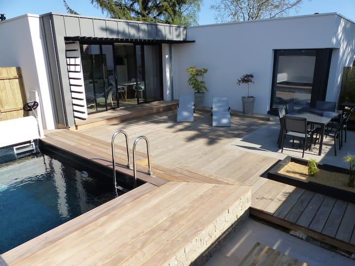 Mini-villa design avec piscine, plage à pied