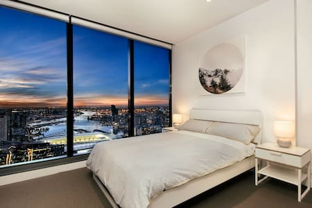 CBD sanctuary 2Bed 2Bath Breathtaking Harbour View
