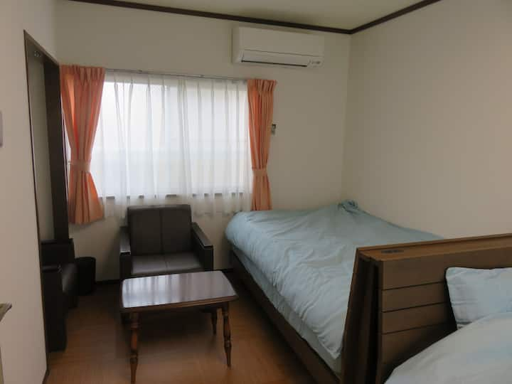 Sanjamachi guest house take room