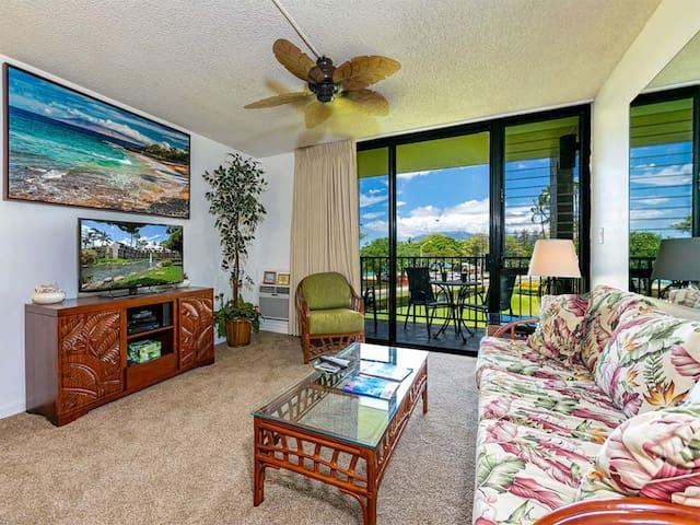Epic West Maui View! Laundry, WiFi, TVs, Kitchen, AC, Ceiling Fans–Kamaole Sands 10202