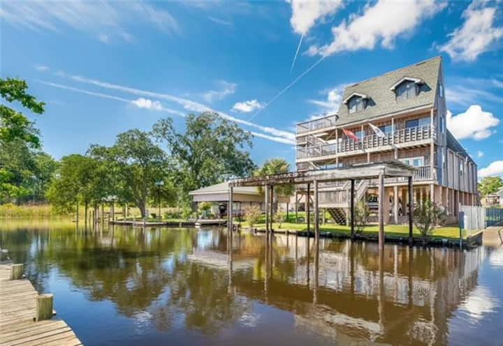 Unique Bayou Waterfront Destination with HOT TUB!!