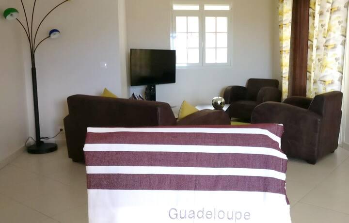 Haus mit 3 Schlafzimmern in Vieux Habitants mit bezauberndem Seeblick, möblierter Terrasse und W-LAN - 40 km vom Strand entfernt
