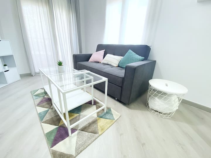 White Details - Empuriabrava Apartment