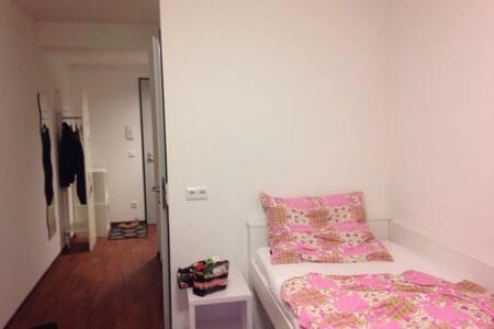 modernes Apartment - Wohnung
