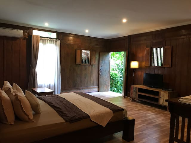 Bali Budget Room #7 with swimming pool