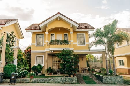 Fully Furnished & Fully Air-conditioned Staycation