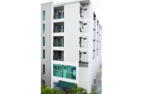 LeGreen Suite Waihaong - Kota Ambon - Гестхаус