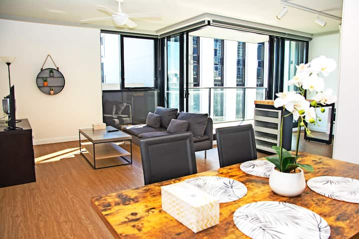 ⭐ Spacious Prime 2BR⭐ClosetoCity|Showgrounds