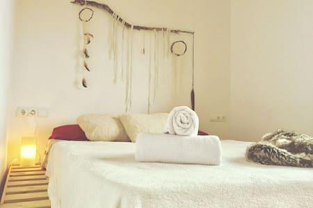 Big room & sundset - Sant Josep de sa Talaia, Illes Balears, ES