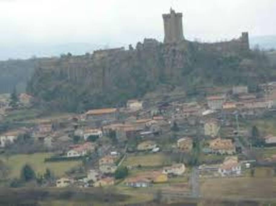 vue sur château de Polignac
