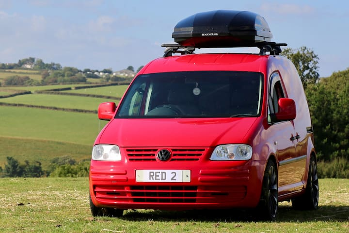 Cosy VW Campervan - Superior Camping Experience