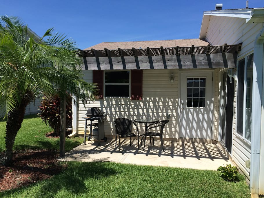 You have the option to enjoy your meals outside in the pergola covered open lanai with gas BBQ grill. Enjoy the outdoor living you came to Florida for.