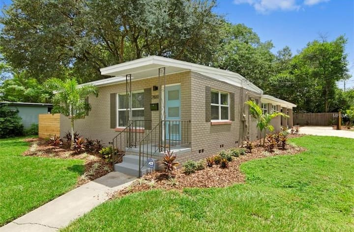 Private, Spacious Main House near Downtown Orlando