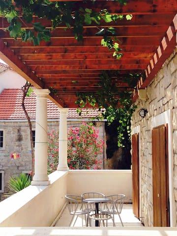 Villa Vincencia app 5, island Mljet - Kozarica - Apartemen