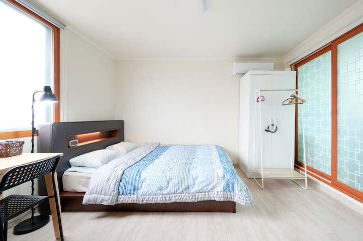 302 cheap yet comfy stay in Seoul