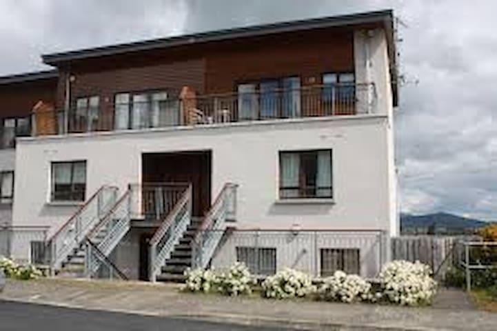 Luxury Apartment with stunning views - sleeps 6