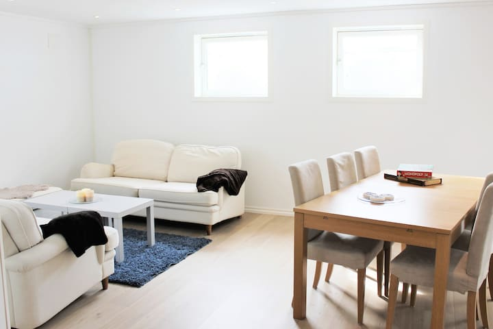 Bright apartement near Gardermoen/Kløfta/Jessheim - Ullensaker - Appartement