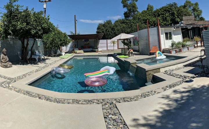 Sleeps 8 - ZEN Fallbrook Poolscape - 12pm check in