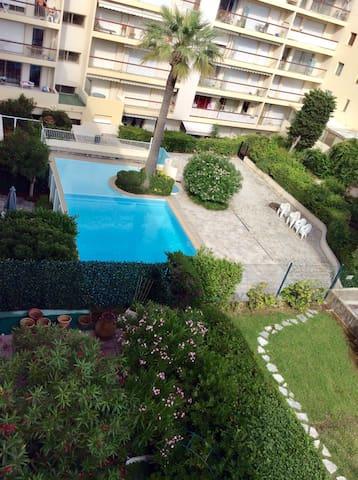 Appartement 2 pièces bord de mer