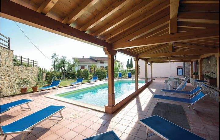 Holiday apartment with 2 bedrooms on 50m² in Lamporecchio (PT)