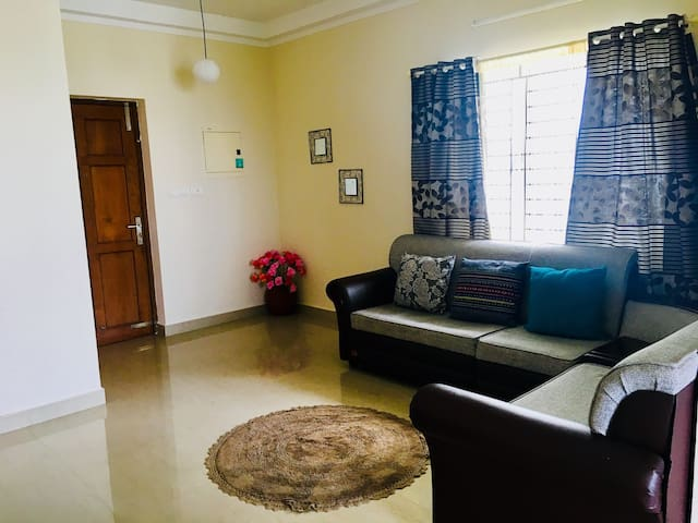 Luxury AC 2 bedroom apartment close to Lulu Mall