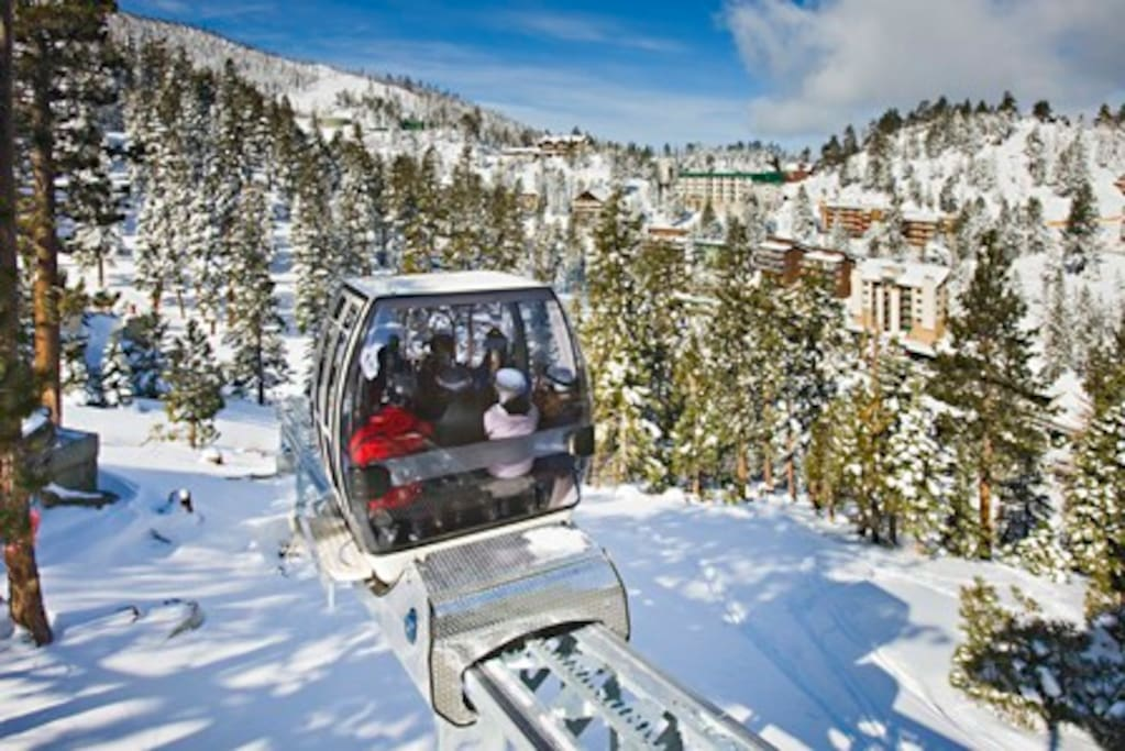 Ridge Tahoe Cascade Bld Hotel Room Condominiums For Rent In Stateline Nevada United States