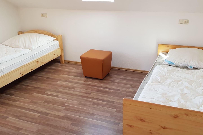 Die Betten kömnen auch gerne zusammen gestellt werden. Je nach Bedarf