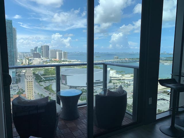 Trendy Miami studio apt. Facing Bayside and AAA