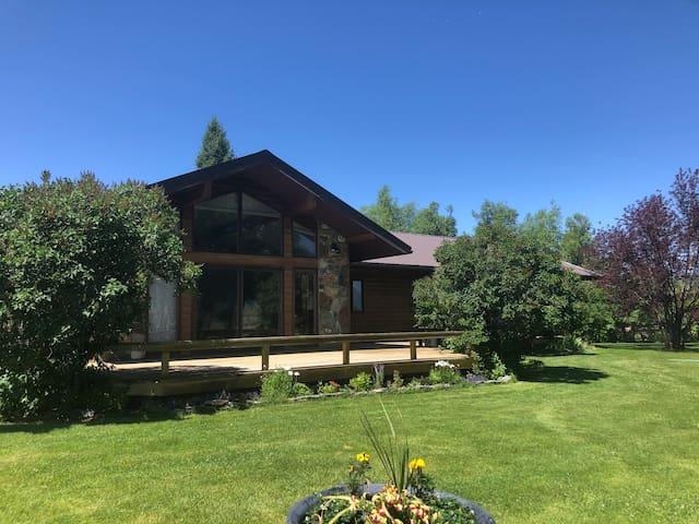 FX Ranch House Lodge, Ennis, Cameron, MT