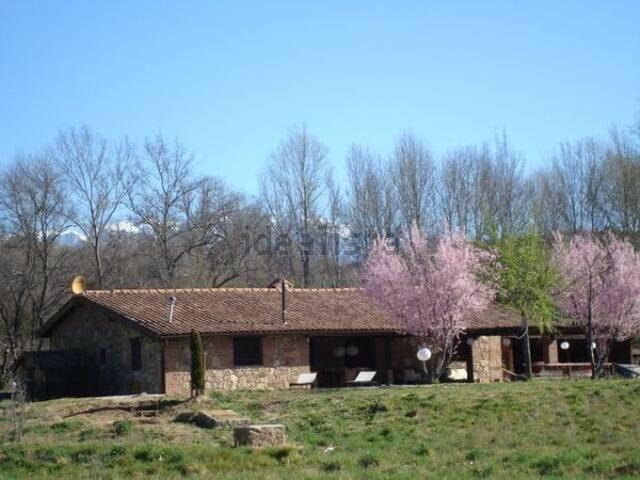 Casa en el campo. A 2 horas de Madrid