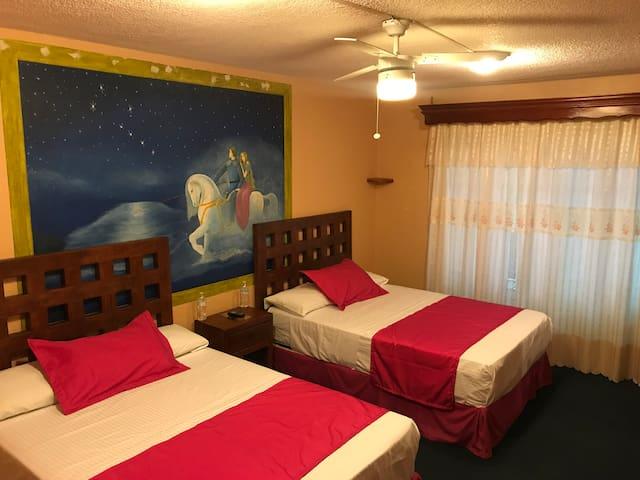 Hotel Casa Mexicana Autlan 2 camas baño compartido
