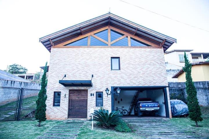 Confortável Residência/Loft em Condomínio Aberto -