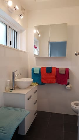 The little Manly getaway :) - Apartments for Rent in Manly ...