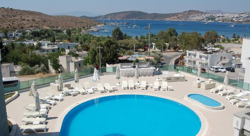 Palm Bodrum by EvTatilim | 1 BR with Garden View